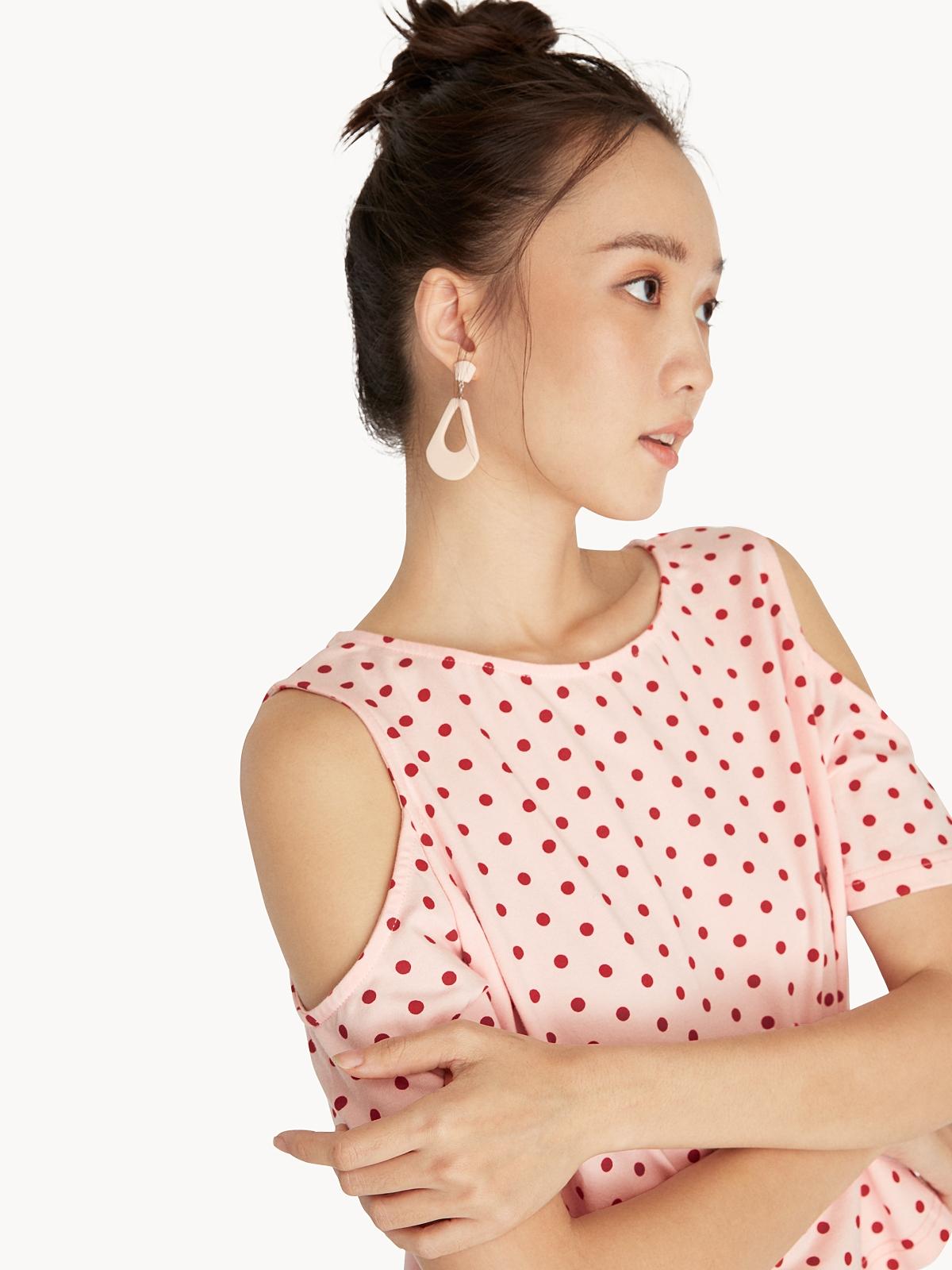 Cut Out Shoulder Blouse Pink