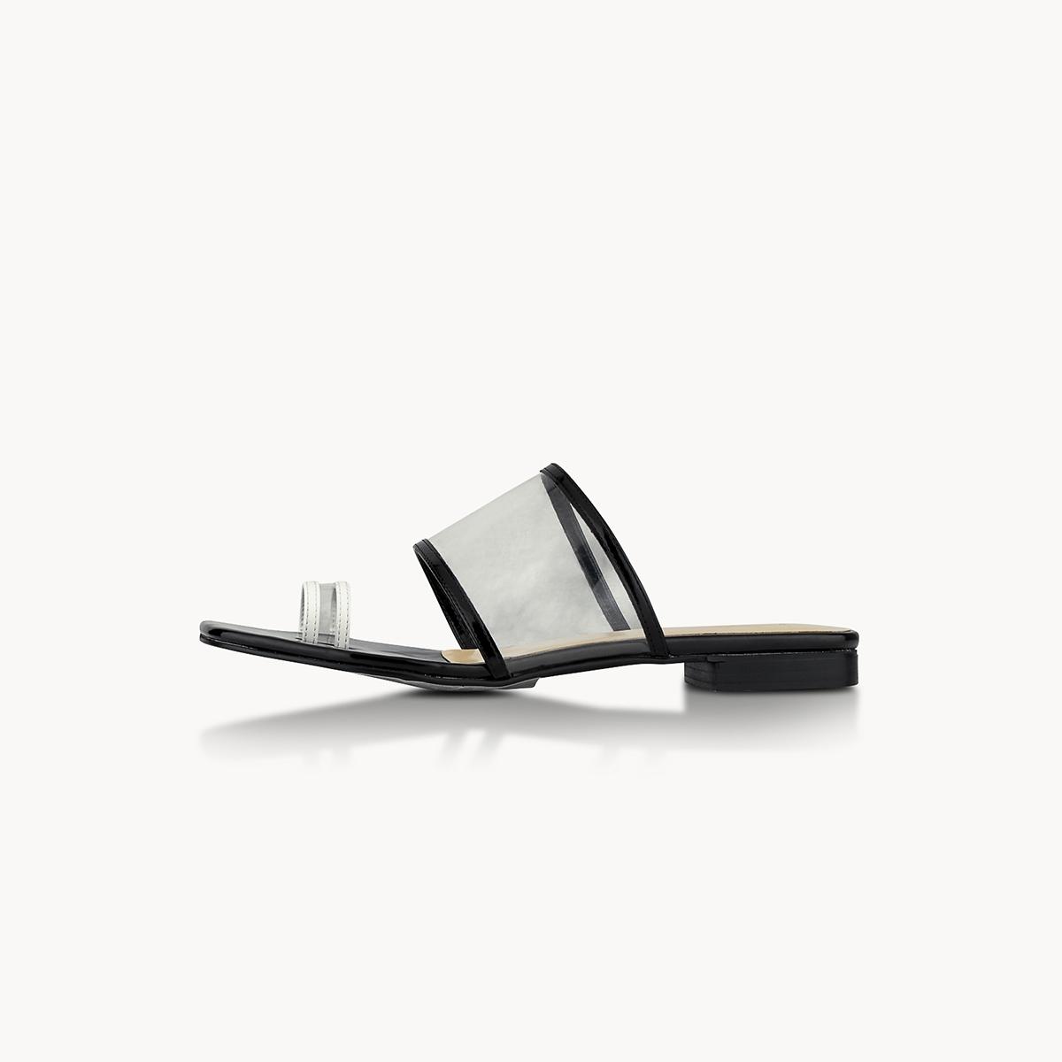 P04 Open Toe Sandals Black