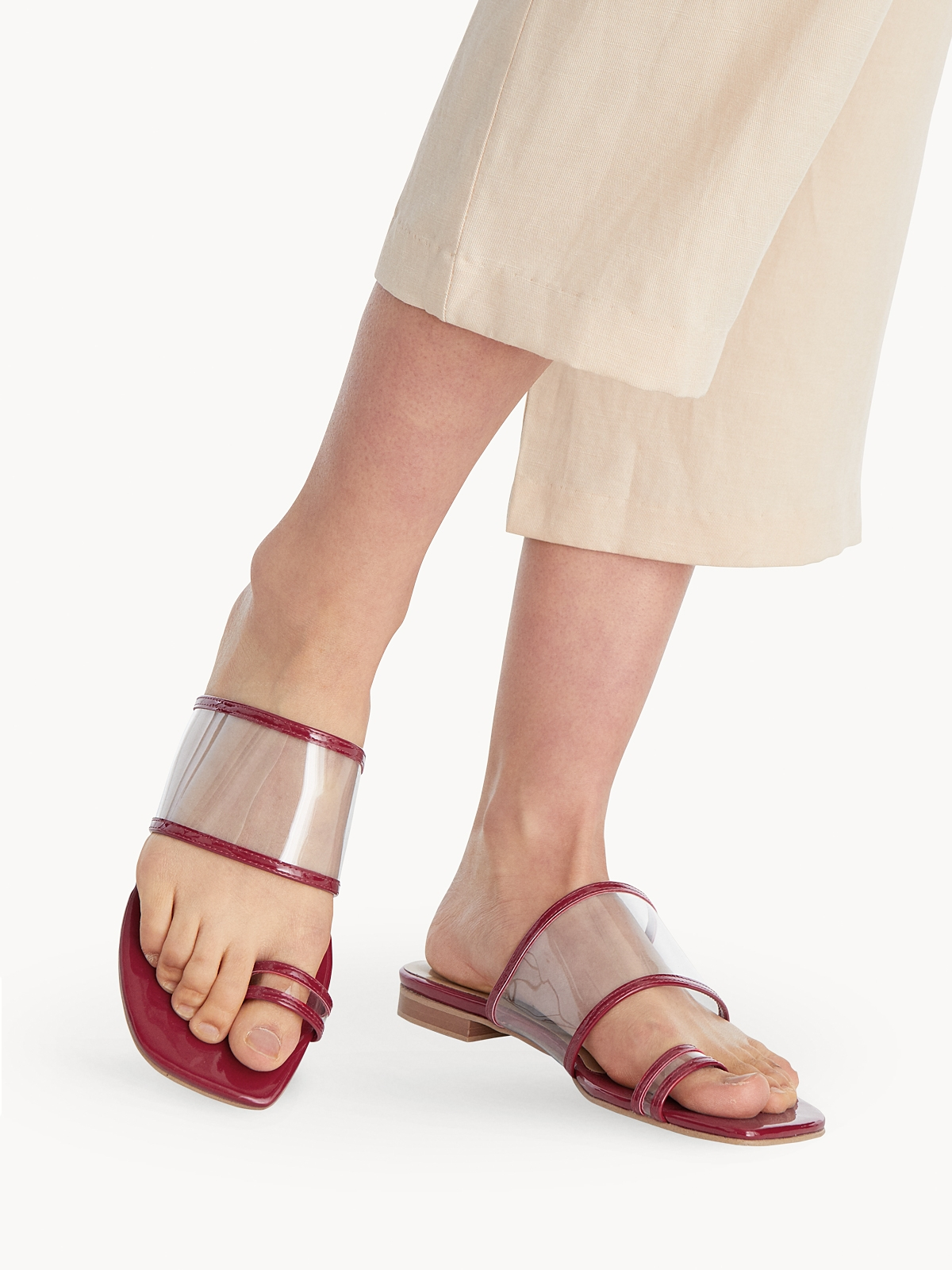 P04 Open Toe Sandals Red