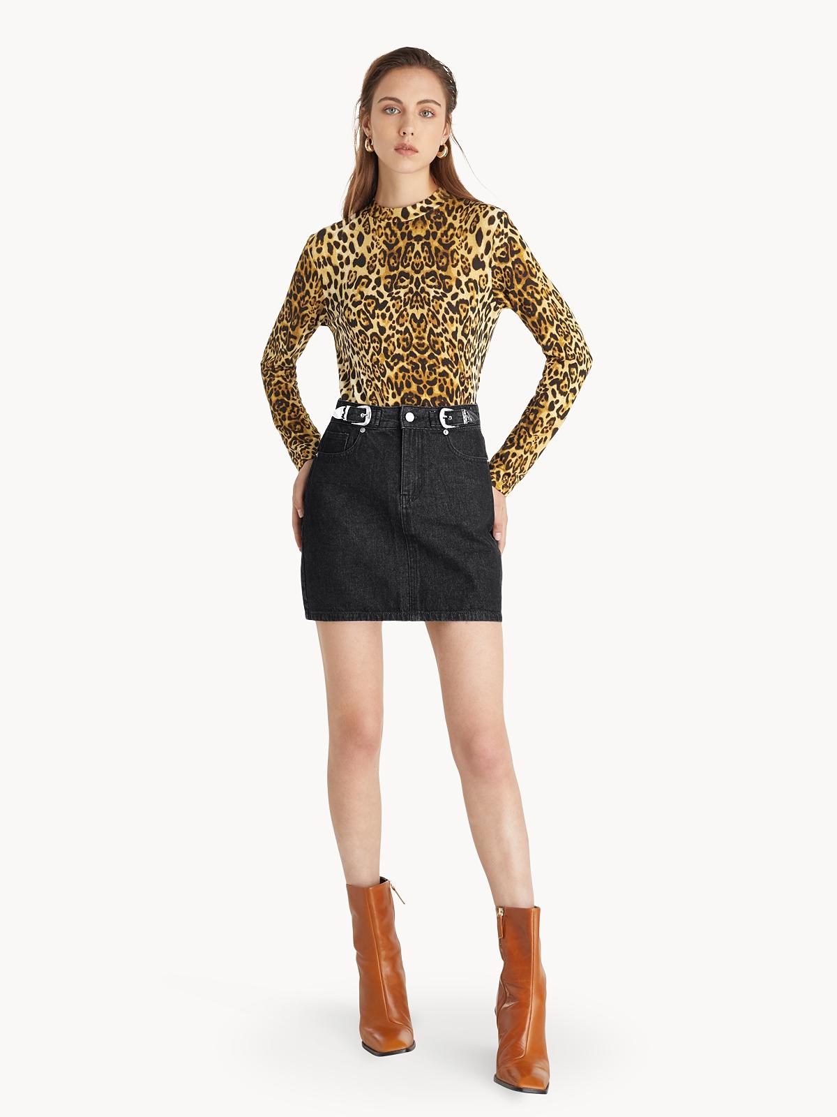 Mini Buckle Detail Skirt Black
