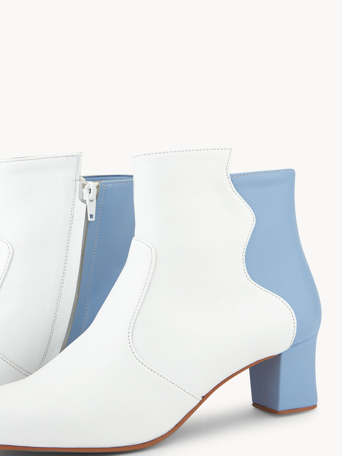 Purpose Pomelo x Oyster Leaves Boots White
