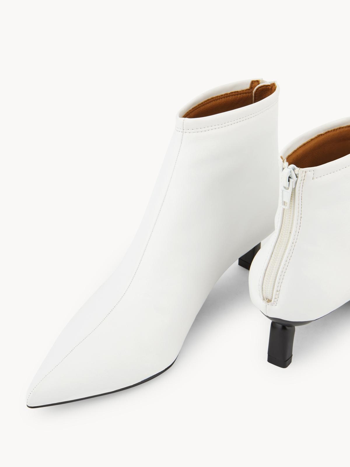 Starkela Heeled Ankle Boots White
