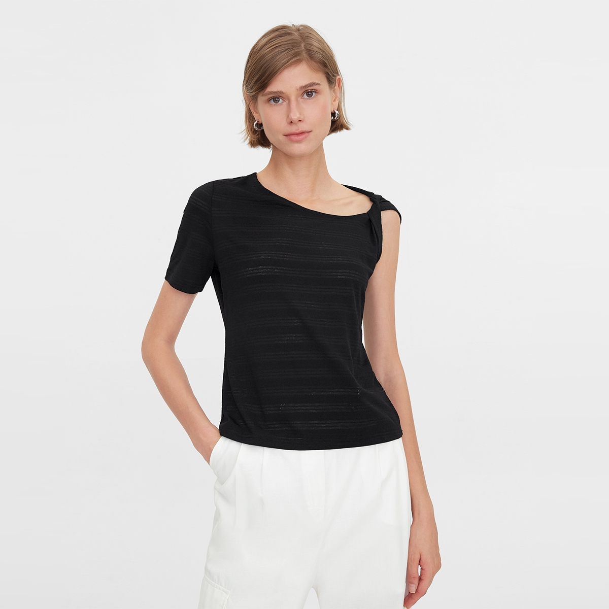 One Side Rolled Up Sleeve Tee Black