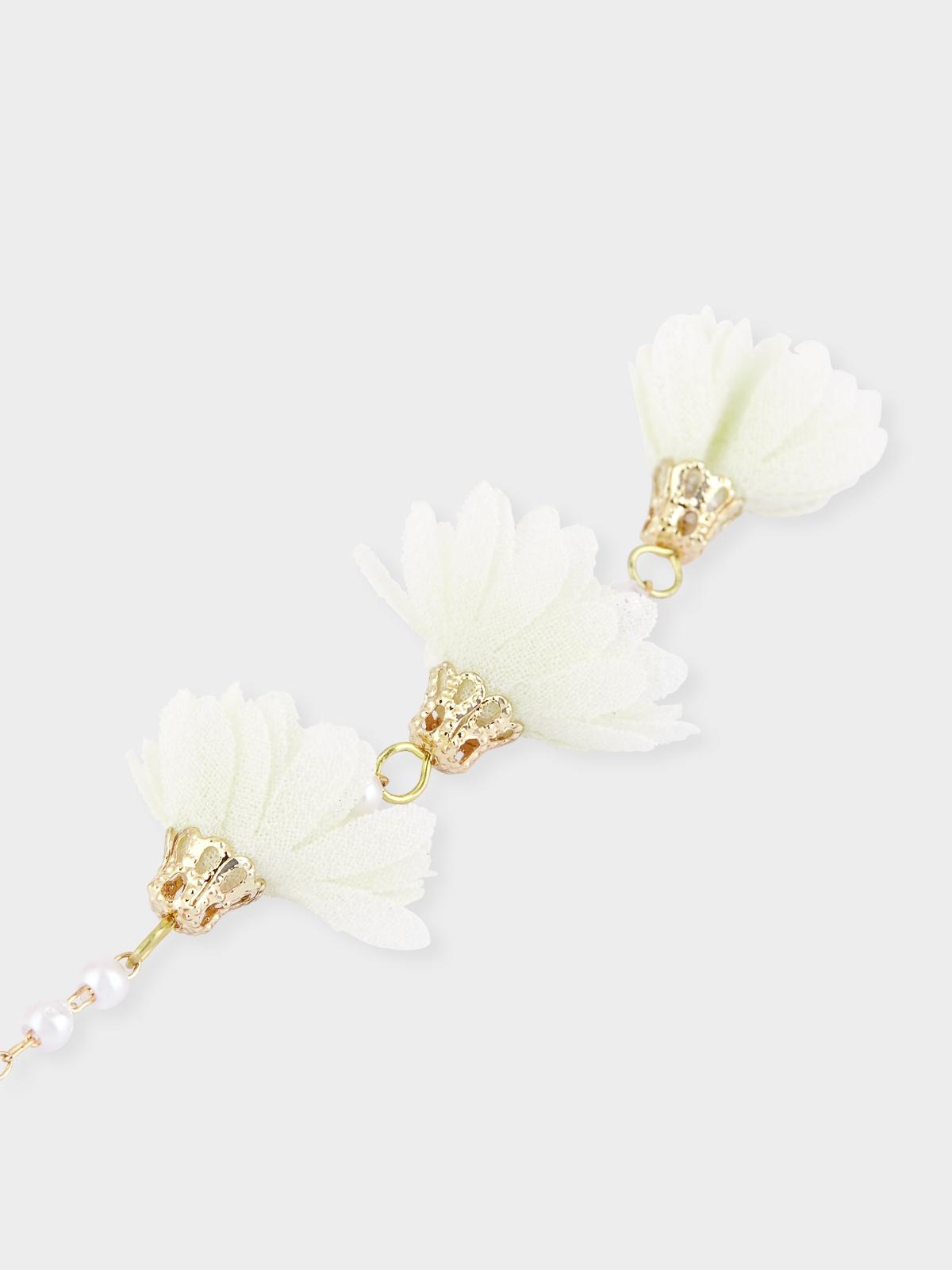 Triple Flowers Drop Earrings White
