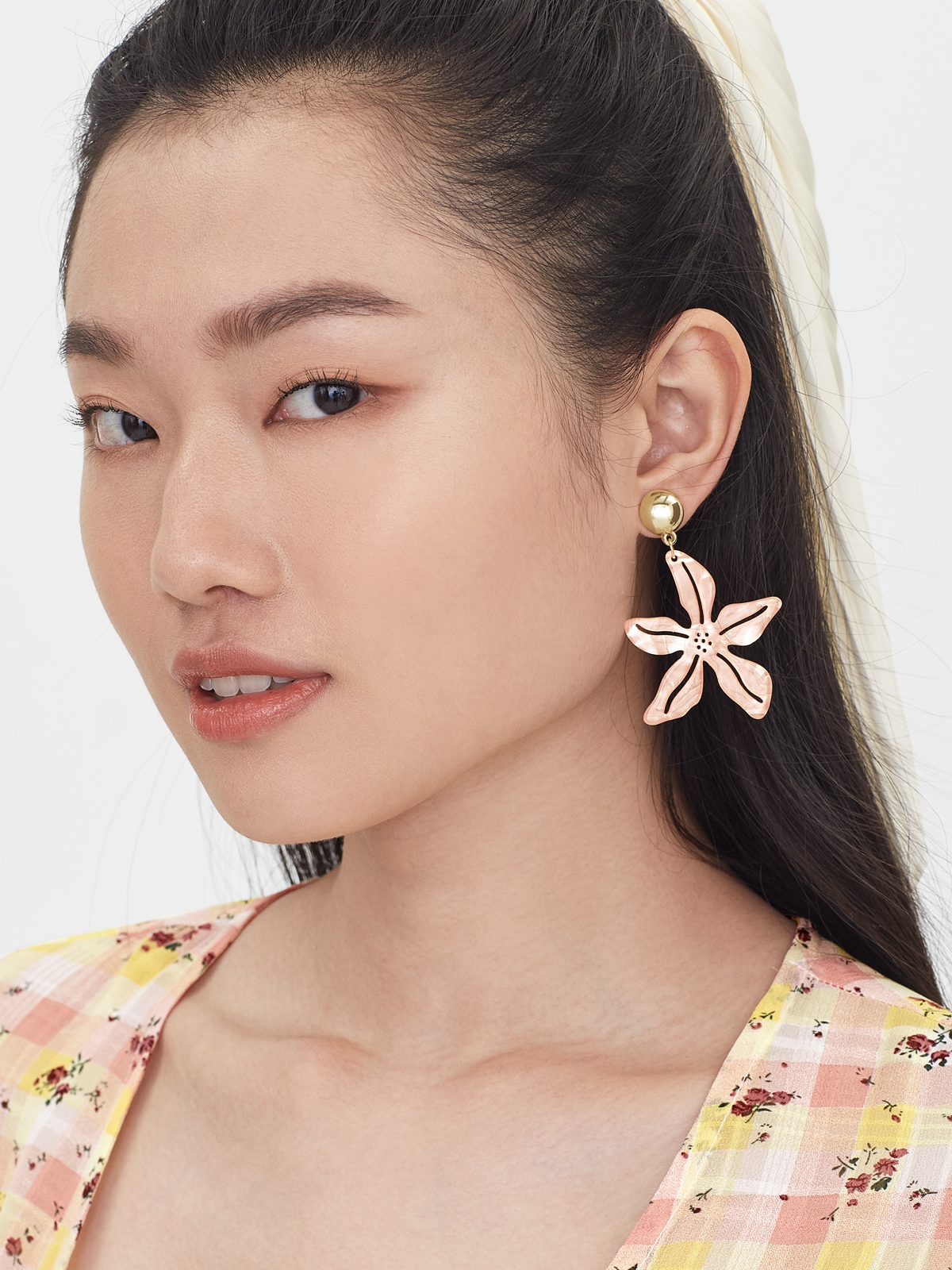 Pearl Abstract Flower Shaped Drop Earrings Pink