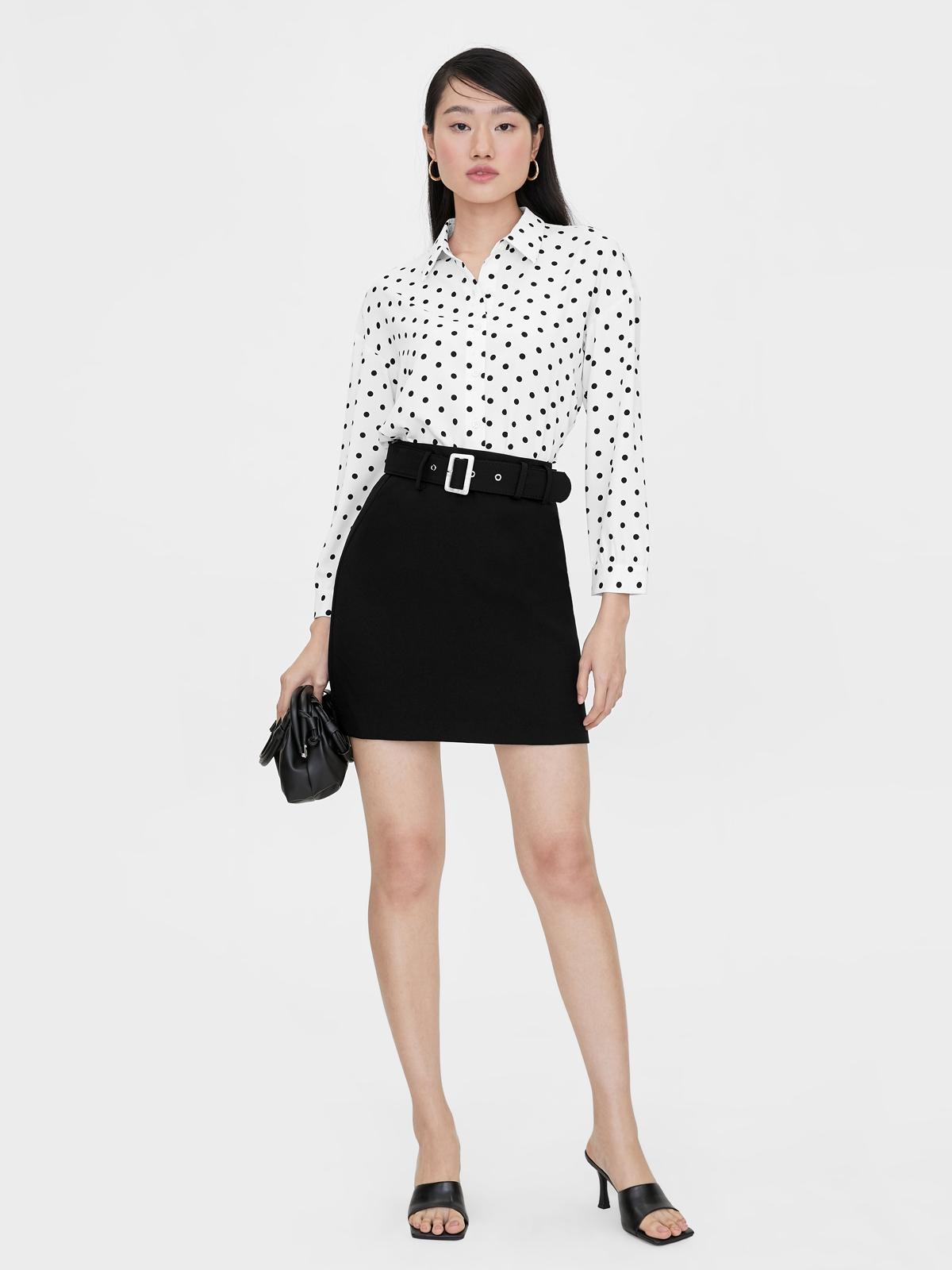 Rectangle Buckle A Line Skirt Black