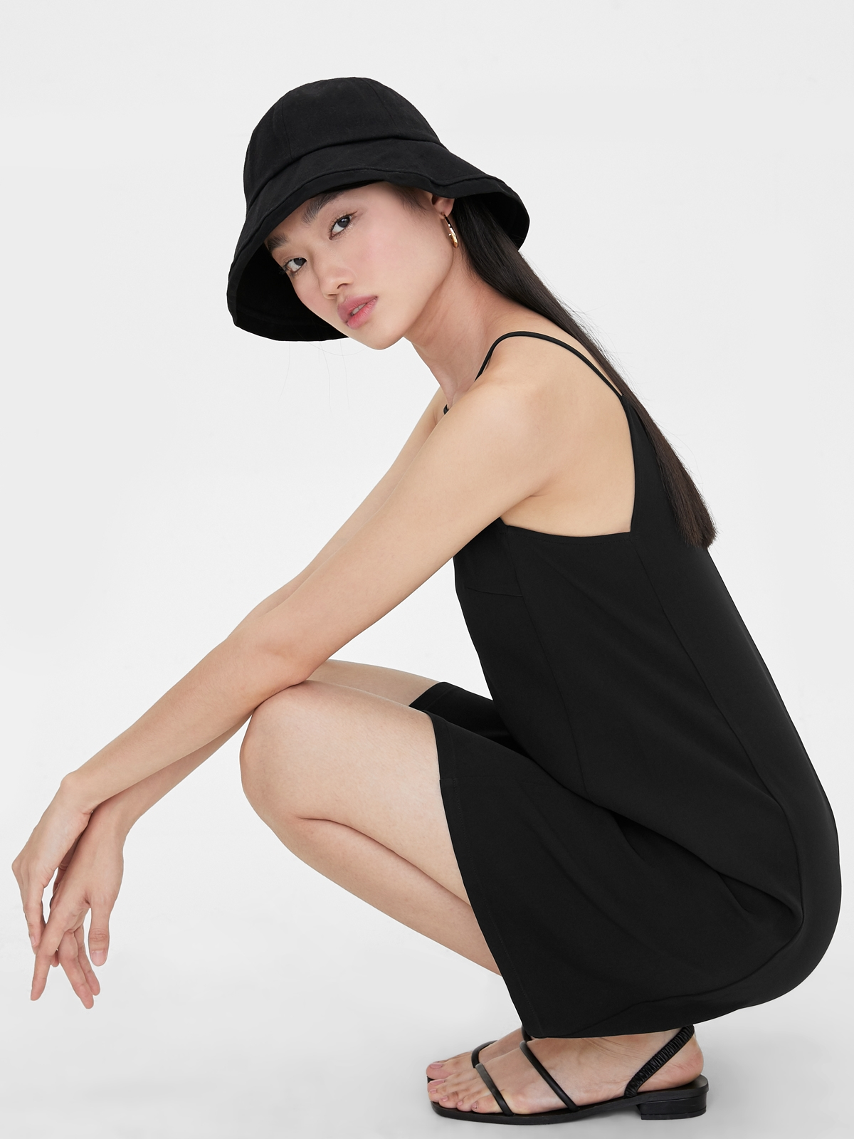 Rounded Top Bucket Hat Black