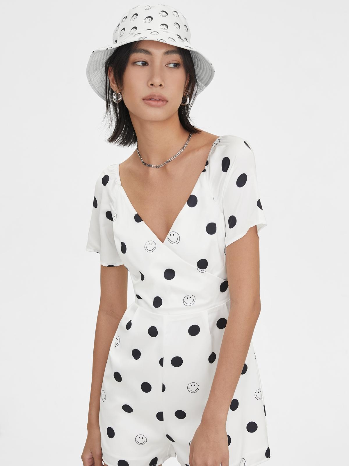Pomelo X Smiley Smile Polka Dot Bucket Hat White