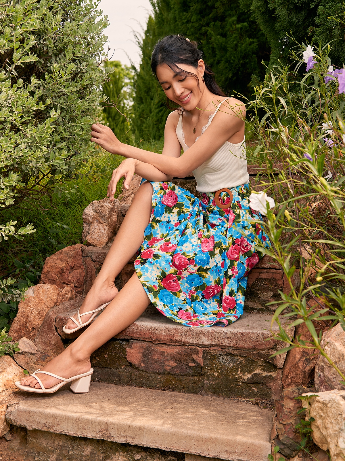 Bold Floral Buckle Flare Skirt Pink