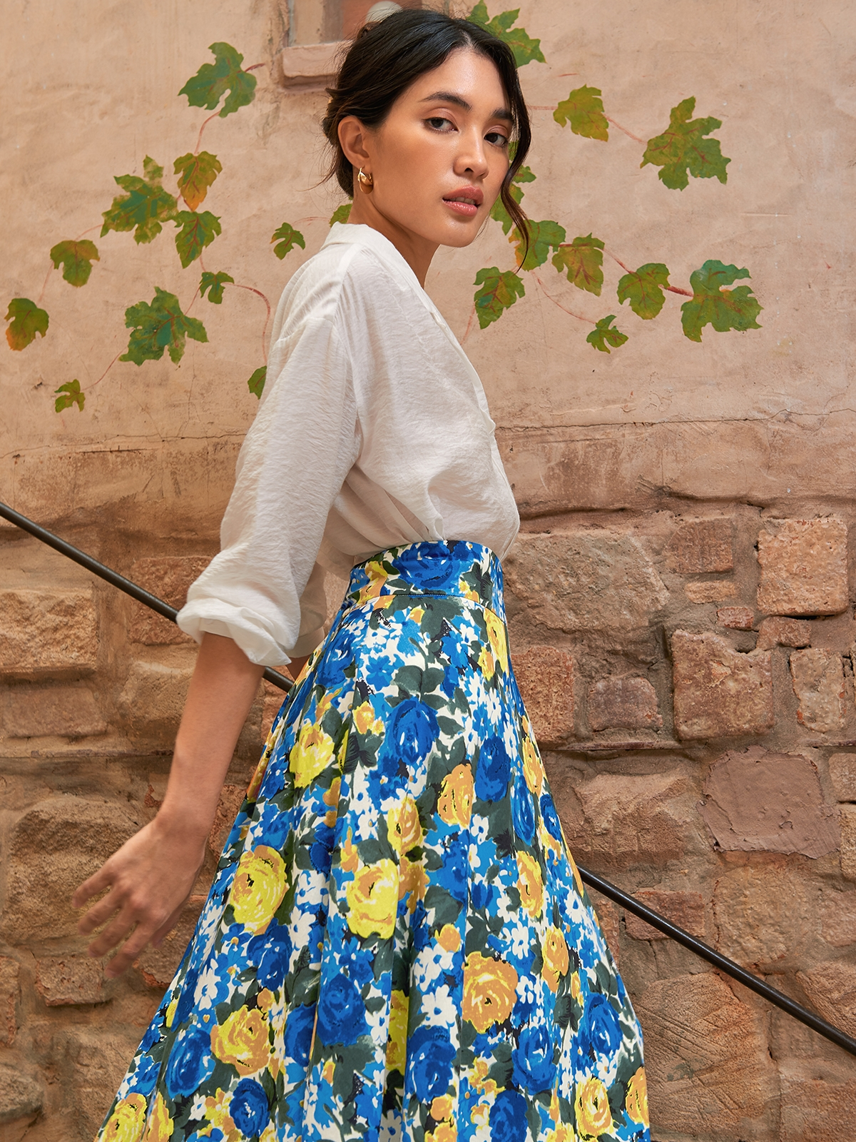 Bold Floral Buckle Flare Skirt Blue